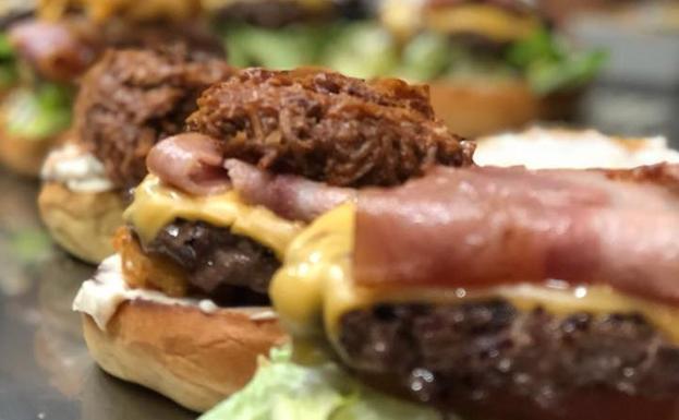 Taxi Angus Burger, la hamburguesa americana que se cocina en Málaga ...