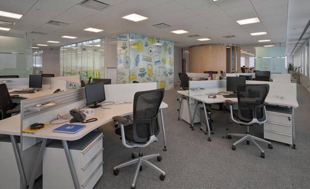 La llegada de nuevas empresas a m laga dispara la demanda for Oficinas de endesa en malaga