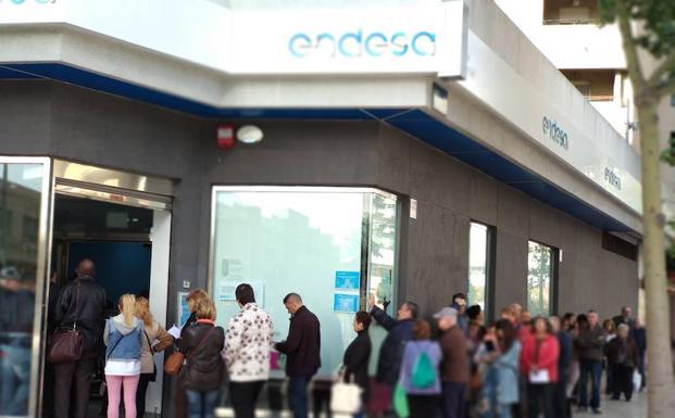El gobierno prorroga hasta octubre el plazo para pedir el for Oficinas endesa