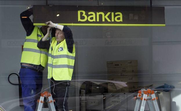 Bankia aclara que su fusi n con otro banco solo es una for Oficinas caixabank madrid
