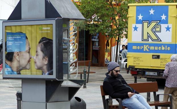 Cabina Telefonica : El gobierno prepara el final de las cabinas telefónicas diario sur