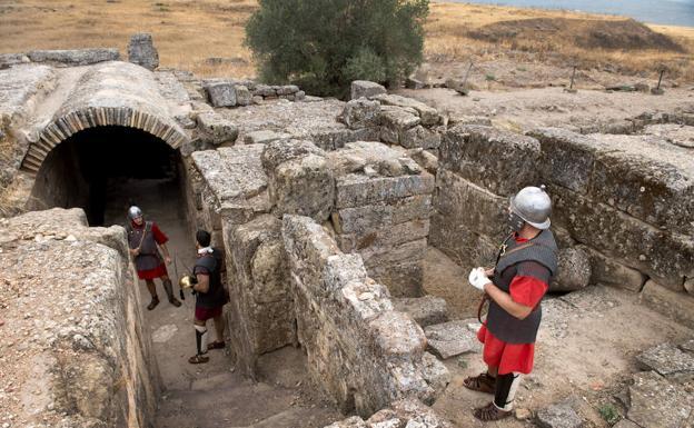Recreación histórica en la antigua ciudad de Cástulo. /Turismo andaluz