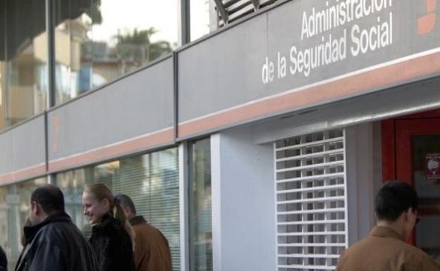 La seguridad social gan afiliados extranjeros en 2018 y recupera niveles precrisis - Oficina seguridad social granada ...
