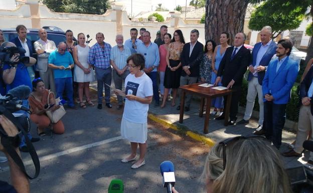 Resultado de imagen de alcaldes protestan por los trenes de Ronda, fotos diario sur