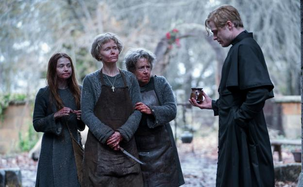 Las protagonistas de la miniserie 'Lambs of God'./
