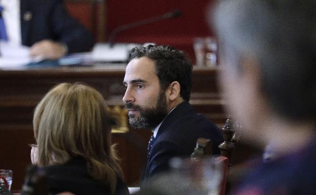 Dani Pérez, en la bancada socialista./MIgue fernández