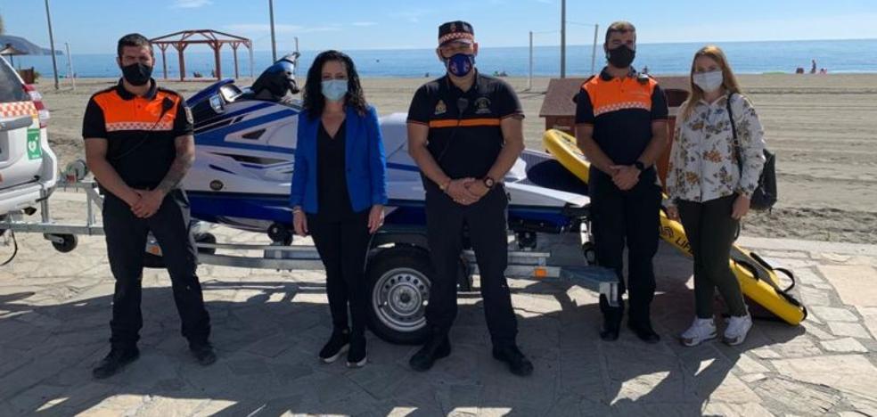 Nerja estrena una moto de agua para el salvamento en las playas 2