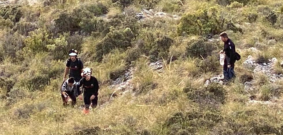 Rescatan a una senderista perdida en la ruta del Pico del Cielo en Nerja 2