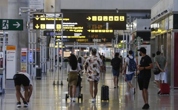 La nueva empresa de seguridad del Aeropuerto de Málaga alega que no tiene obligación de subrogar a auxiliares