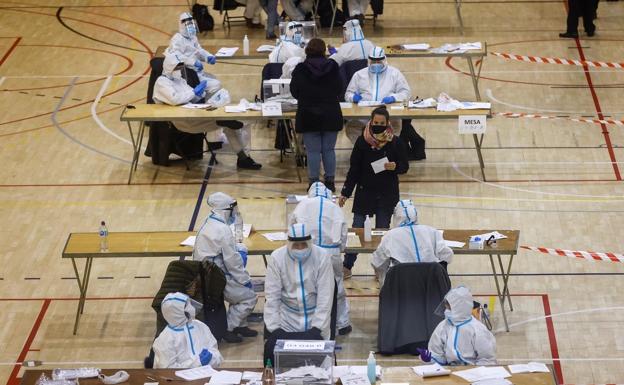 Imagen de las elecciones catalanas del 14 de febrero.  /Sur