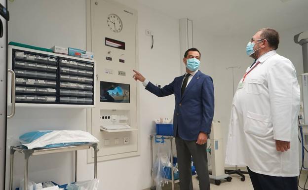 Moreno, en la inauguración de las nuevas instalaciones del hospital Punta Europa este lunes en Algeciras / SUR