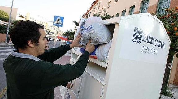 c501f2160387 Madre Coraje es una de las ONG malagueñas que más se ha especializado en el  reciclaje