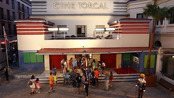 El actor de 'Solo en Casa' graba un anuncio en el Teatro Cine Torcal