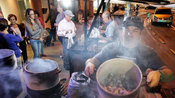 Resultado de imagen de fotos de castañas asadas, diario sur
